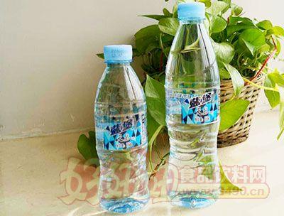 蓝堡天然矿泉水