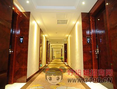 和一湘科大酒店客房走廊