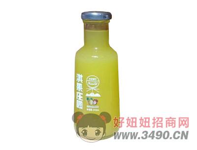 淇果庄园菠萝草莓复合果汁饮料345ml