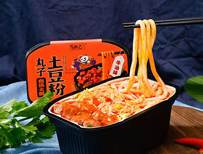 丸子土豆粉自热火锅牛油味