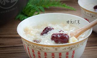 桂圆莲子红枣粥