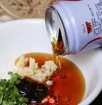 吃火锅必备的3种调料,香油碟上榜,网友:会吃的一看就是吃货!