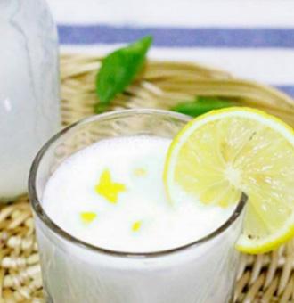 ��檬奶昔的做法步�E