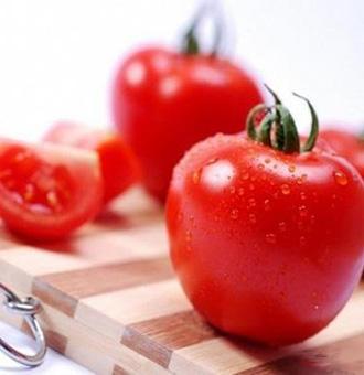 西�t柿生吃�是熟吃?想�@得更多的番茄�t素,更健康的吃法���偎�