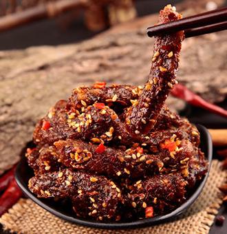 麻辣牛肉干,又香又麻,吃起来特别来劲