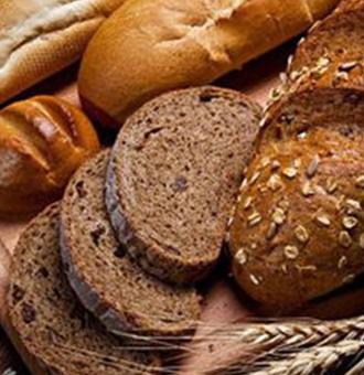 黑��面包的�介