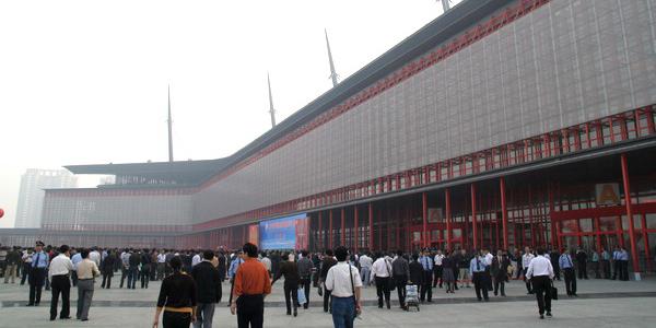 参加第十八届郑州糖酒会有哪些优势?