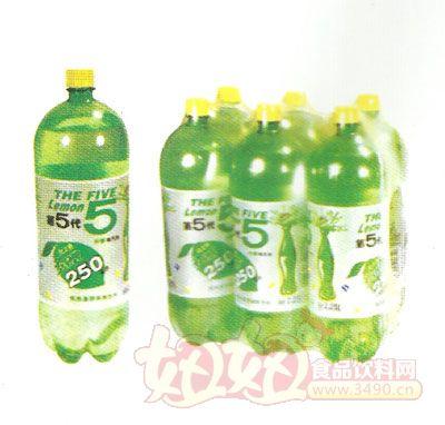 """看似""""补脑""""的健康绿色饮料其实营养很低"""