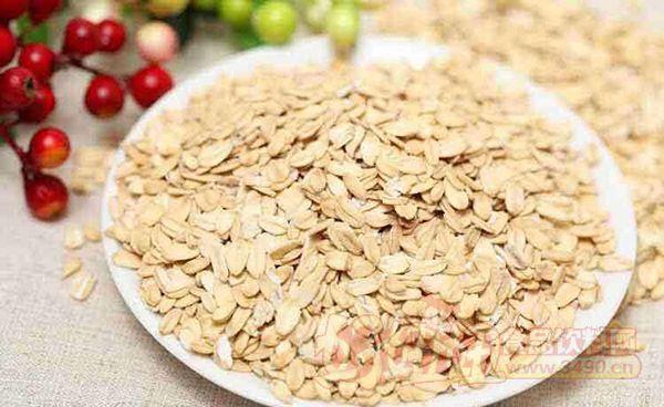 燕麦片有哪些功效与作用?早餐吃燕麦片好不好
