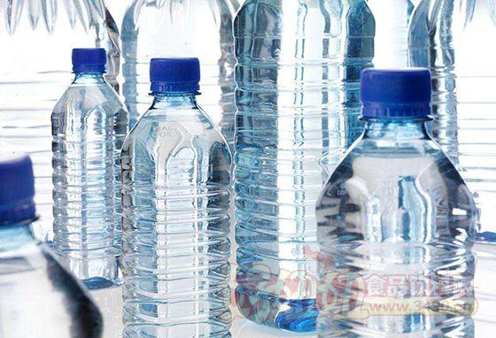 瓶装饮用水 聚集高端