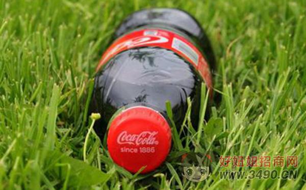 可口可乐推出海洋塑料垃圾再生瓶!