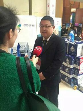 湖南太子奶公司接受记者采访