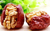红枣夹核桃是哪里的特产,红枣夹核桃一天吃几颗合适