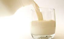 低脂牛奶的好处与食用注意事项