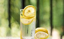 柠檬水有哪些作用?柠檬水有哪些注意事项?