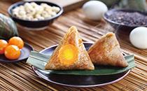 蛋黄粽子怎么包