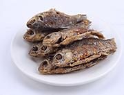 香酥鲫鱼整体实物图