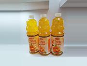 珍果�@橙汁果味�料1.5L