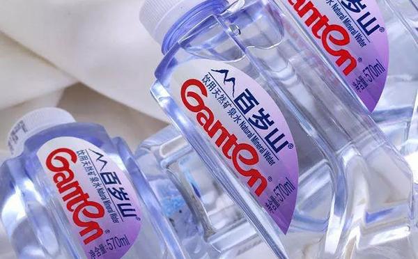瓶装水成全球第一大饮品,百岁山、怡宝......谁创造了中国瓶装水神话?
