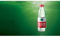 一瓶水卖出了160多亿,坚持不上市,利润超过了康师傅和统一之和!