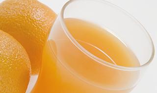 早餐喝橙汁有益身体健康