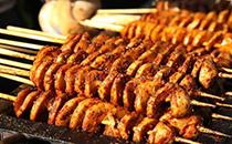 最火爆的但是最不干净的街边小吃,烤面筋上榜,每人至少吃过三种