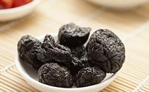 红枣和黑枣,哪个营养价值更高?答案因人而异