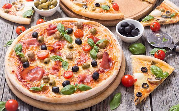 披萨饼怎么做最好吃?做了20年披萨的大厨告诉你技巧,小心上瘾!