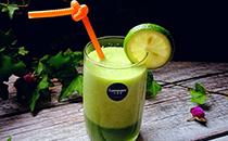 鲜榨甜瓜汁的做法