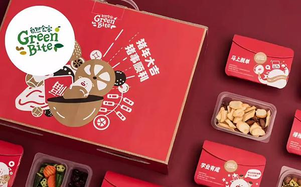 """自然食客推出创意新年礼盒 满满""""猪福""""一次佩奇"""