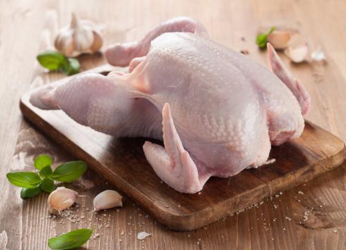 几十天速成的鸡能吃吗?是用激素喂大的吗?