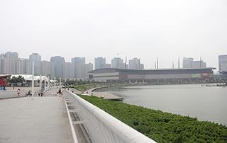 第十四届郑州国际糖酒食品交易会展外风景
