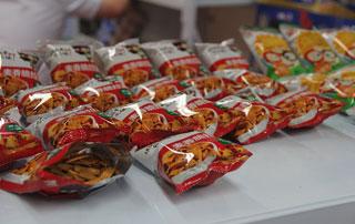 快乐就要么么哒!山东旭康开心猫儿酥在2015徐州糖酒会上招商